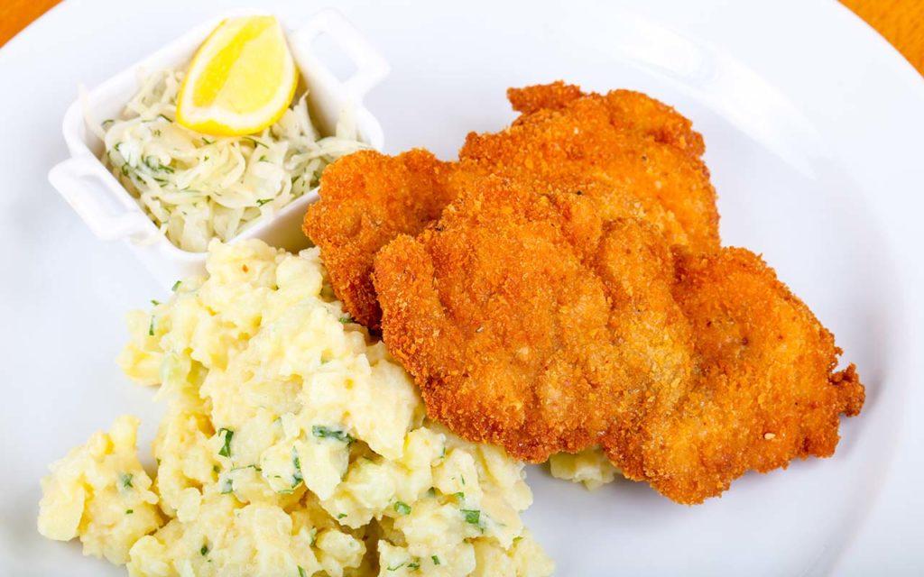 Smažený Vepřový Řízek - Czech food