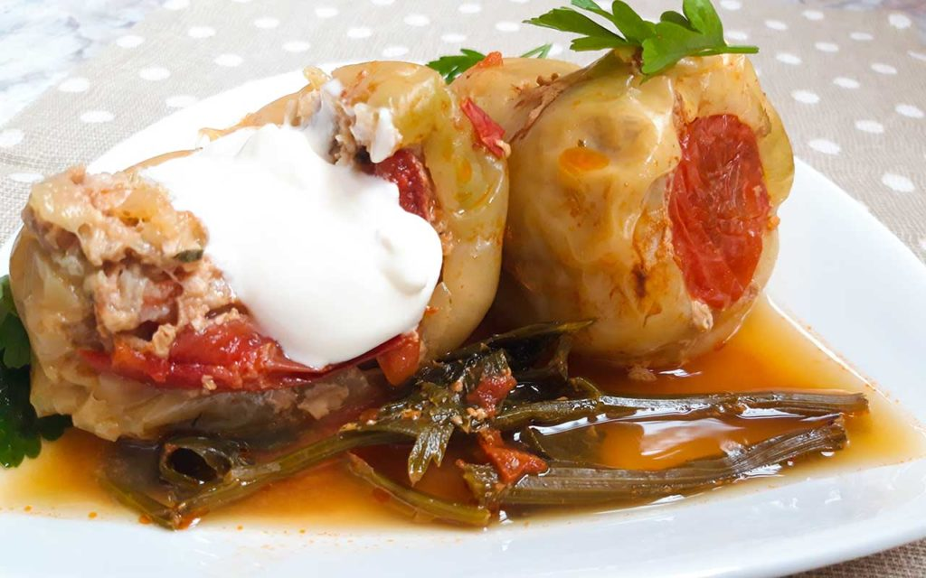 Moldovan Food - Ardei Umpluti | Stuffed Bell Peppers