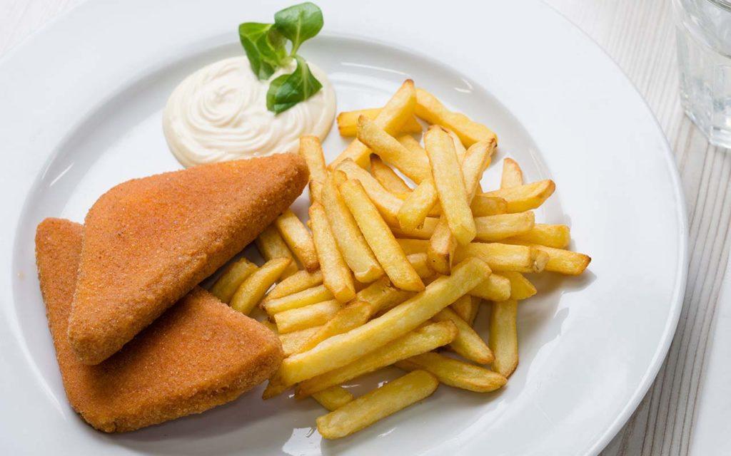 Vyprazany Syr - Slovakian food