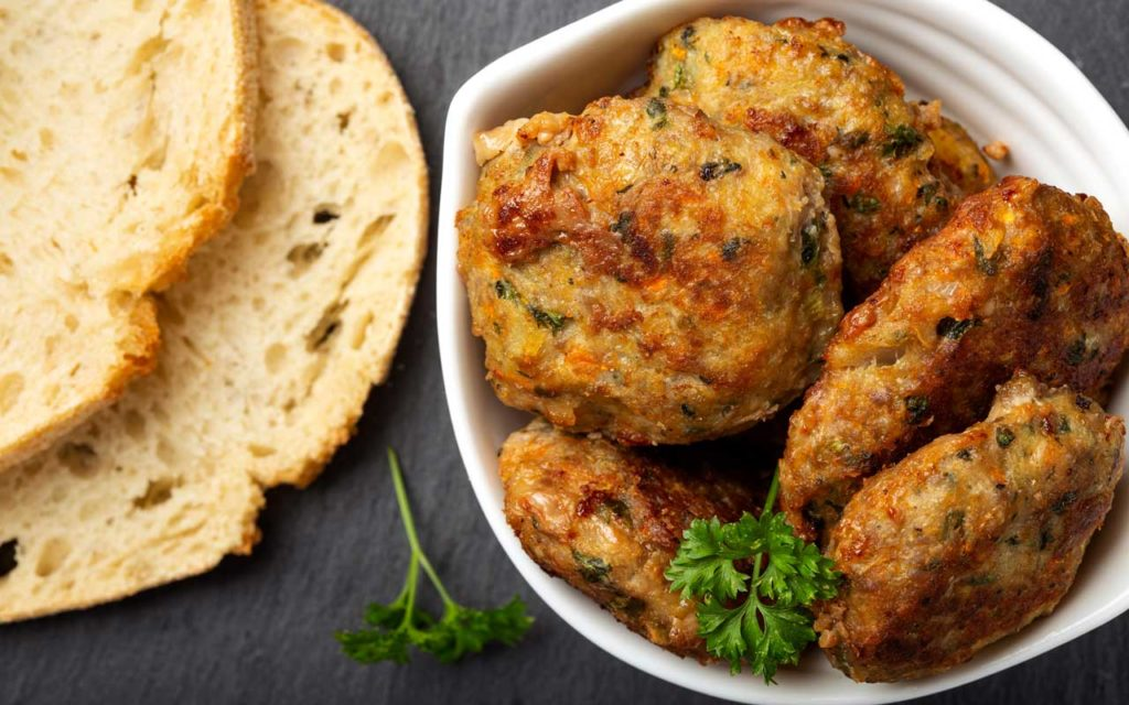 Romanian Food: Chiftele (Traditional Meatballs)