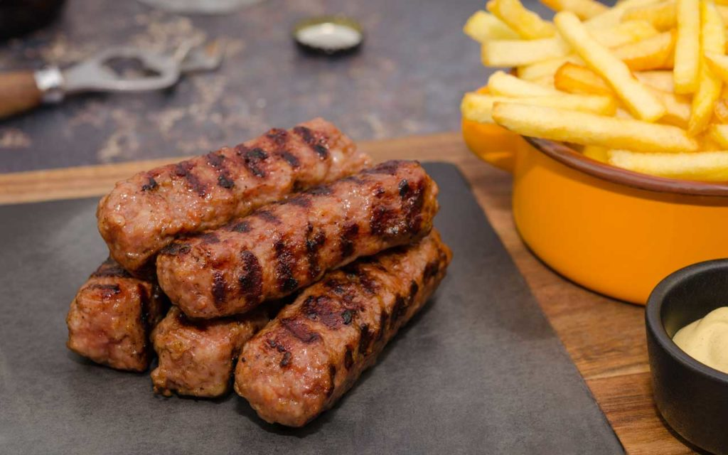 Romanian Food: Mici / Mititei (Romanian Meat Rolls)