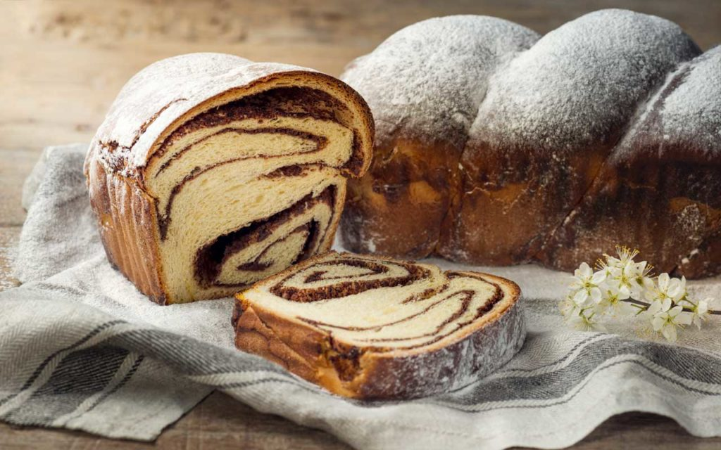 Romanian Food:  Cozonac (Sweet Bread)