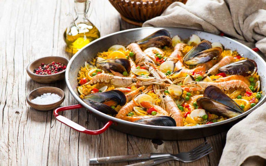 Mediterranean food: paella