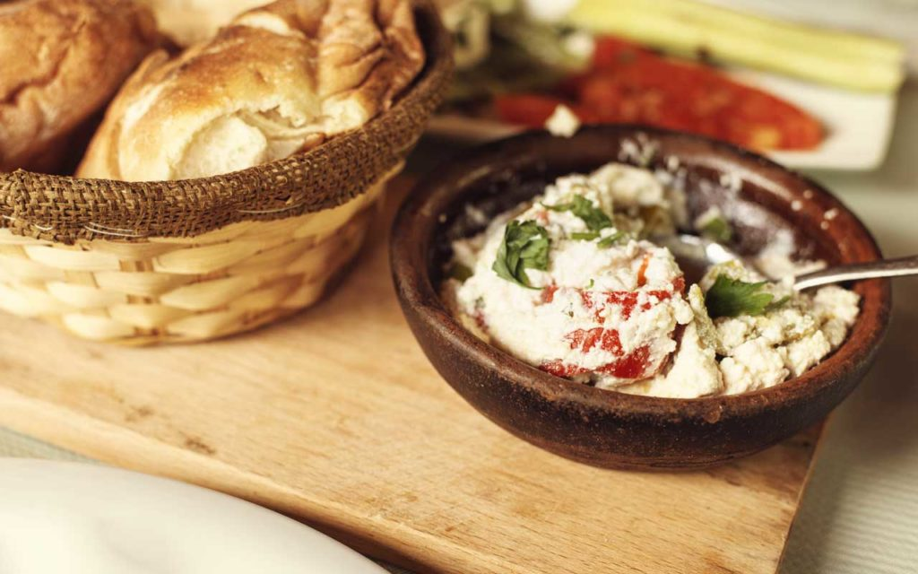 Albanian Food: Kackavall ne Furre me Domate – Baked Cheese with Tomatoes