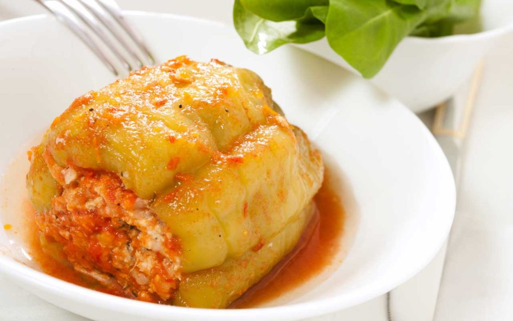 Albanian Food: Speca te mbushur me oriz – Green Bell Peppers Stuffed with Rice