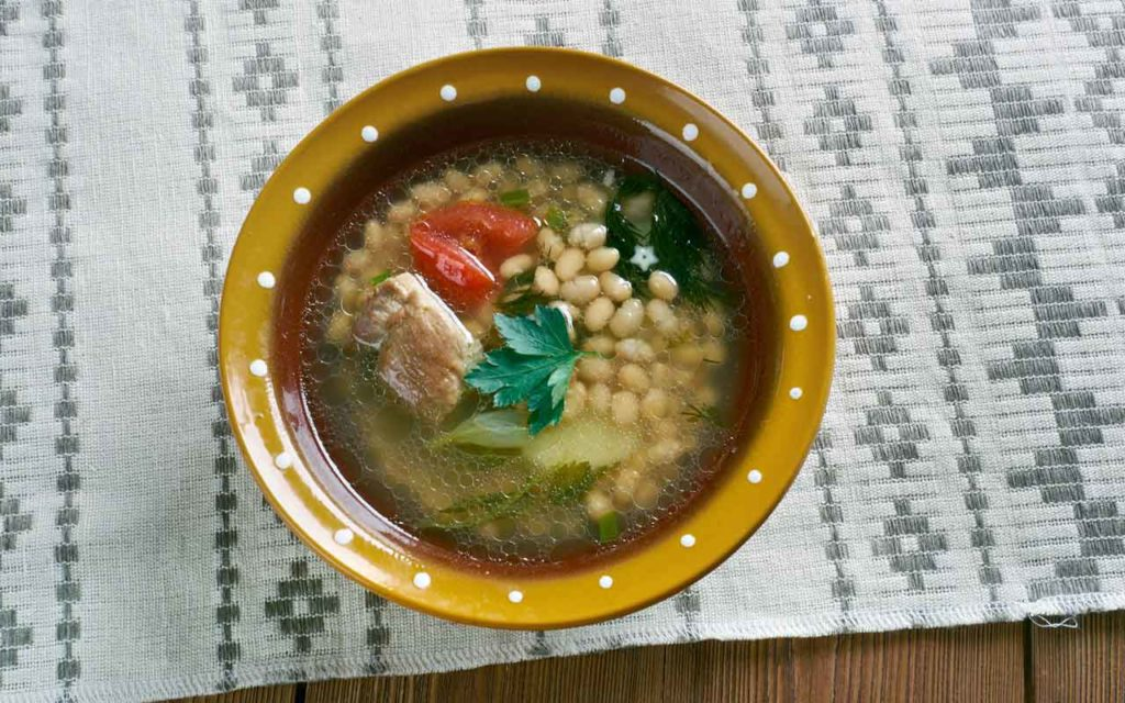 Albanian Food: Jani me fasule – White Bean Soup