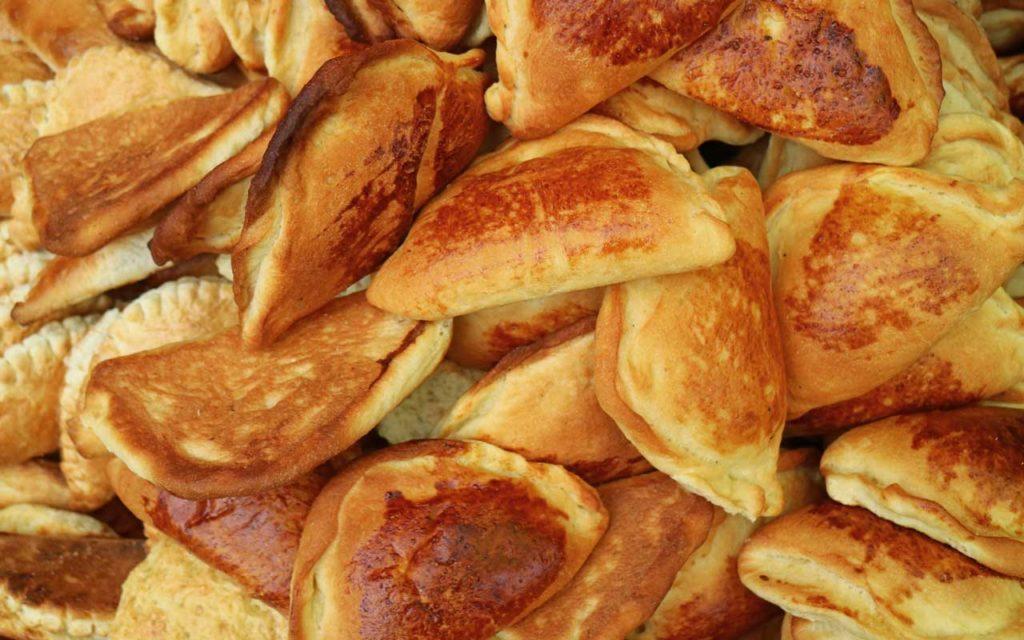 Bolivian Snacks – Empanadas