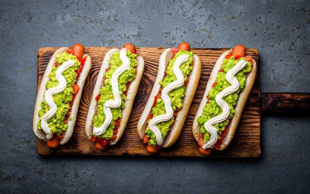 Chilean Food: Completo (Chilean Hotdog)