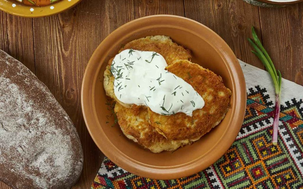 Lithuanian Food: Potato Pancakes (Bulviniai blynai)