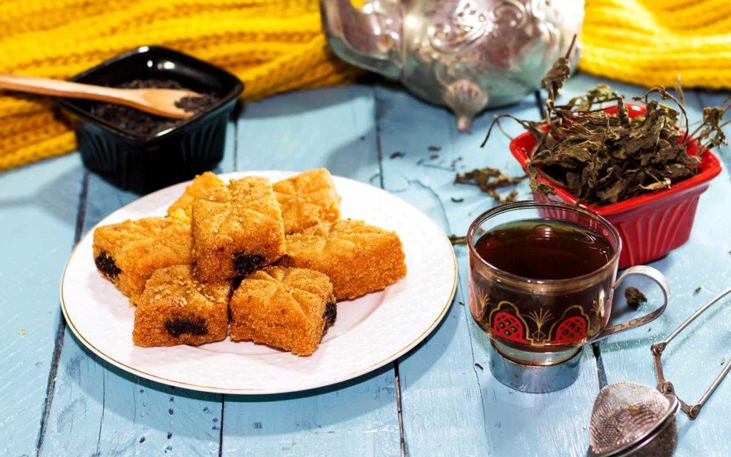 Algerian Dessert: Makrout – Fried Semolina Dipped in Honey