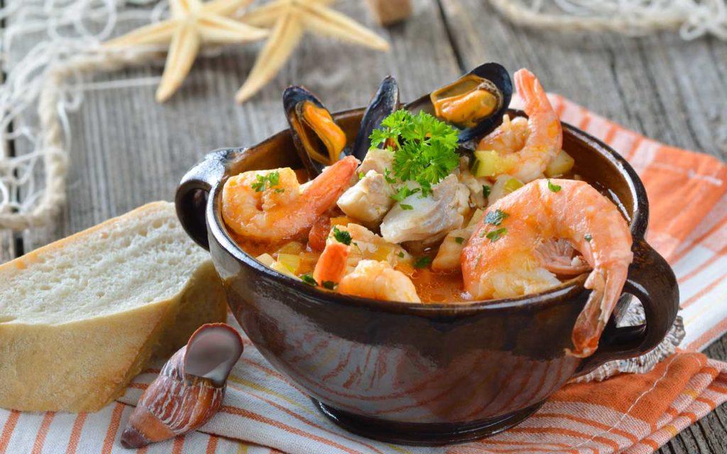 Food in Colombia: Cazuela de Mariscos (Seafood Soup)