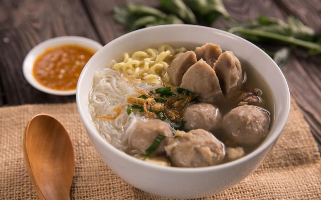 Indonesian Food: Bakso (Meatball Soup)