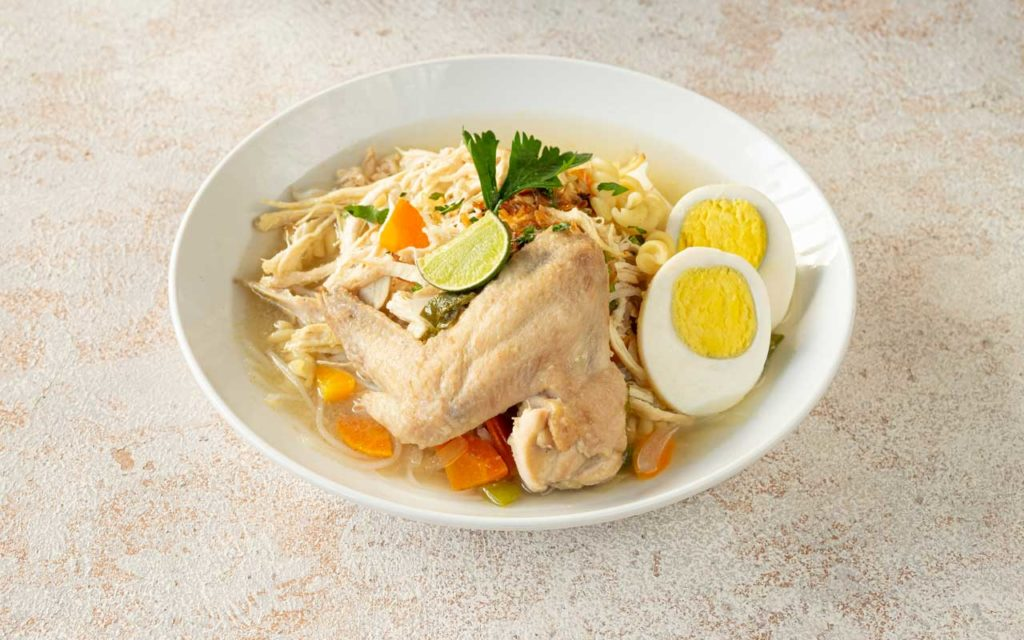 Indonesian Food: Soto Banjar (Banjarese Chicken Soup)