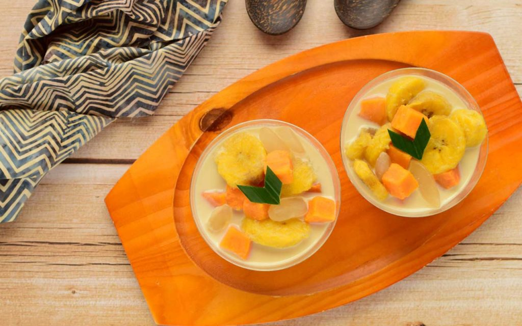 Indonesian Dessert: Kolak (Sweet Potato and Banana Stew)