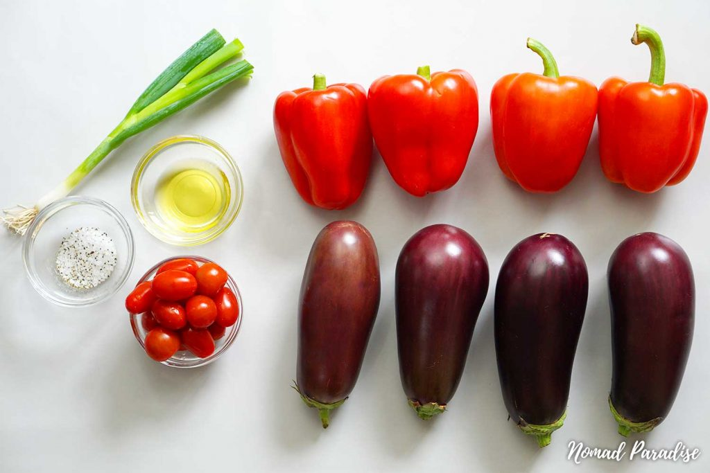 Ingredients for the Easy Oven-Roasted Eggplant Salad Spread with Peppers & Tomatoes (Salata de Vinete cu Ardei)