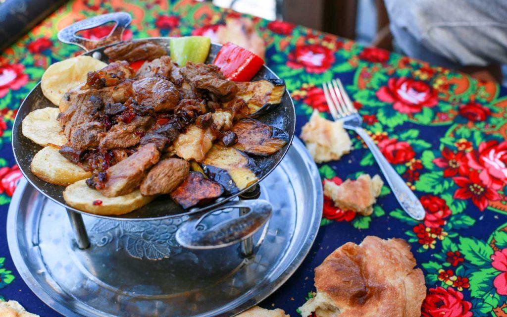 Azerbaijani Food: Saj Ichi – Azerbaijanian Barbecue