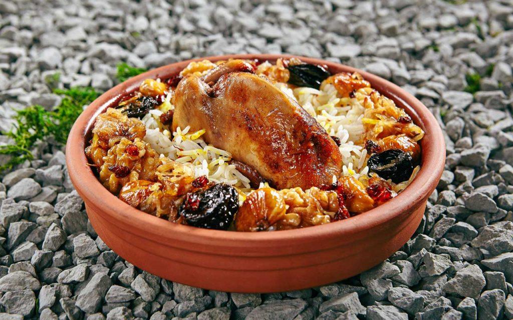 Azerbaijani Food: Lavangi – Baked Stuffed Meat Dish