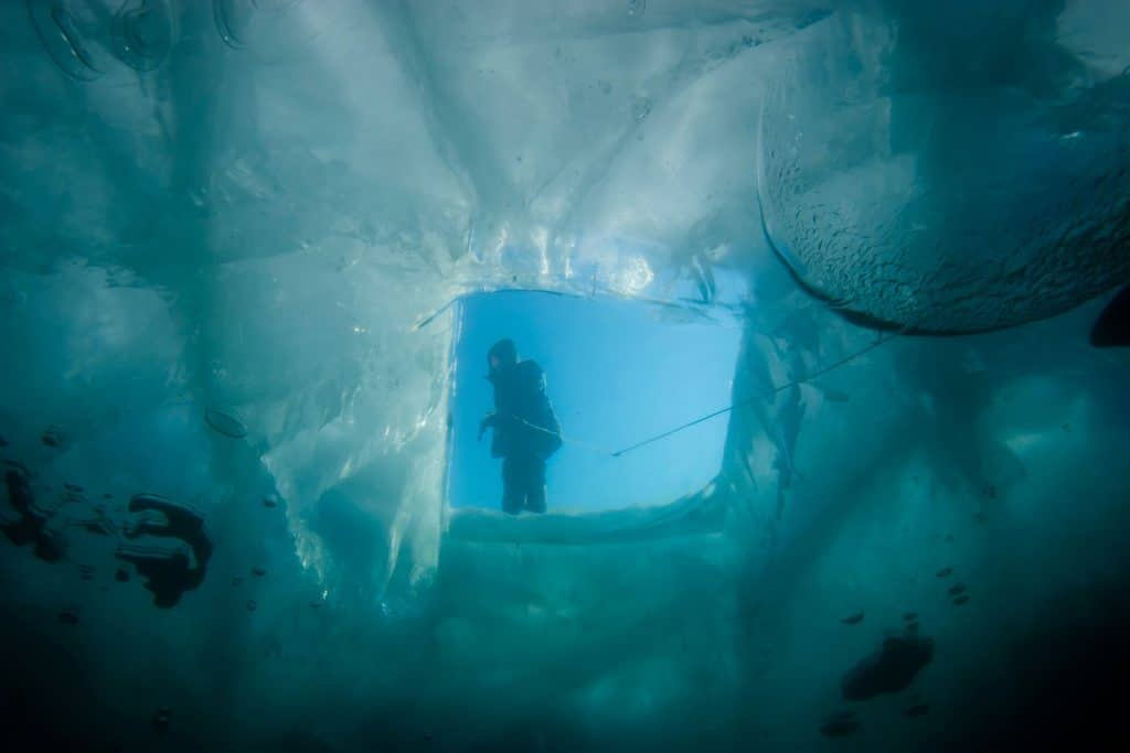 Extreme Sport: Ice Diving