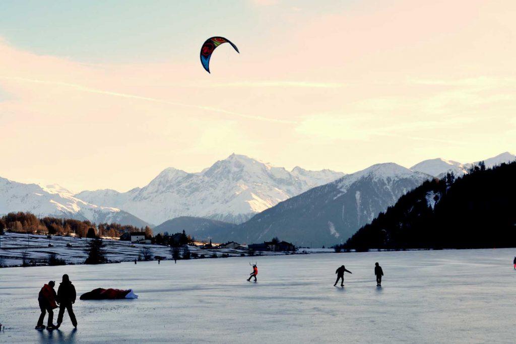 Extreme Sport: Kite Ice Skating