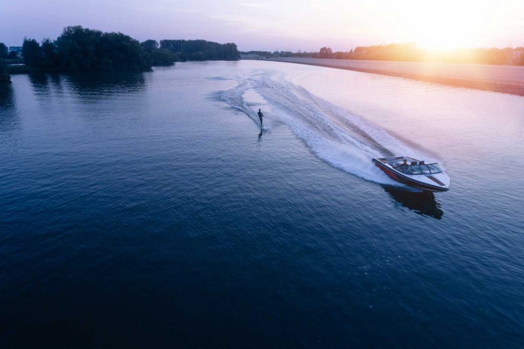 Extreme Sport: Water Skiing