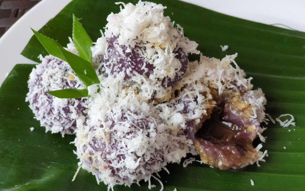 Indonesian Dessert: Ongol-Ongol