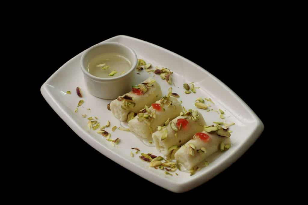 Lebanese Food: Halewit El Jeben – Sweet Cheese Rolls