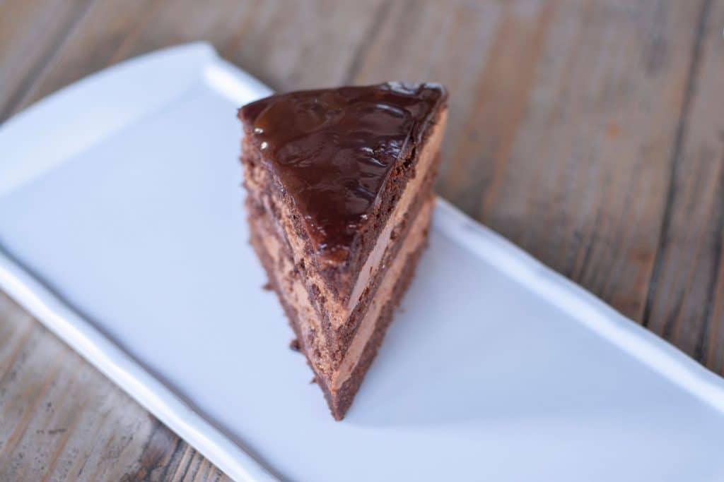 "Russian Dessert: Tort ""Praga"" (Торт Прага) – Praga Cake"