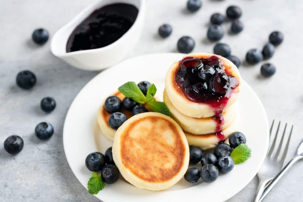 Russian Dessert: Syrniki (Сырники) – Curd-Cheese Pancakes