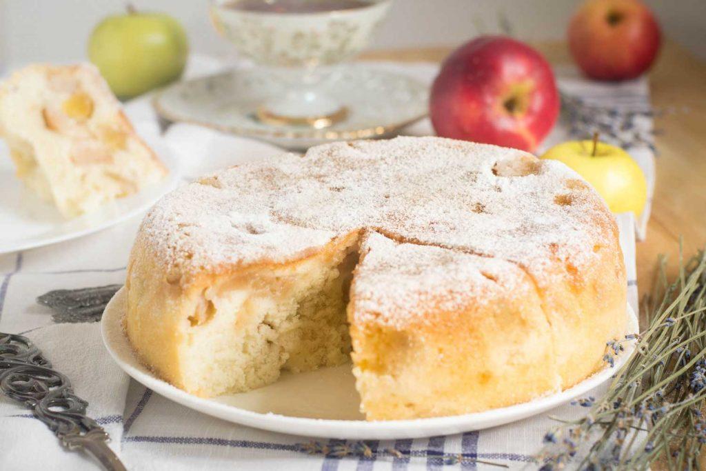 Russian Dessert: Sharlotka (Классическая Шарлотка) – Apple Cake