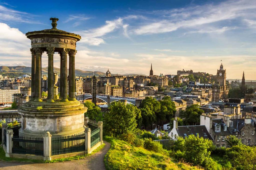 Cities to Visit in the UK: Edinburgh