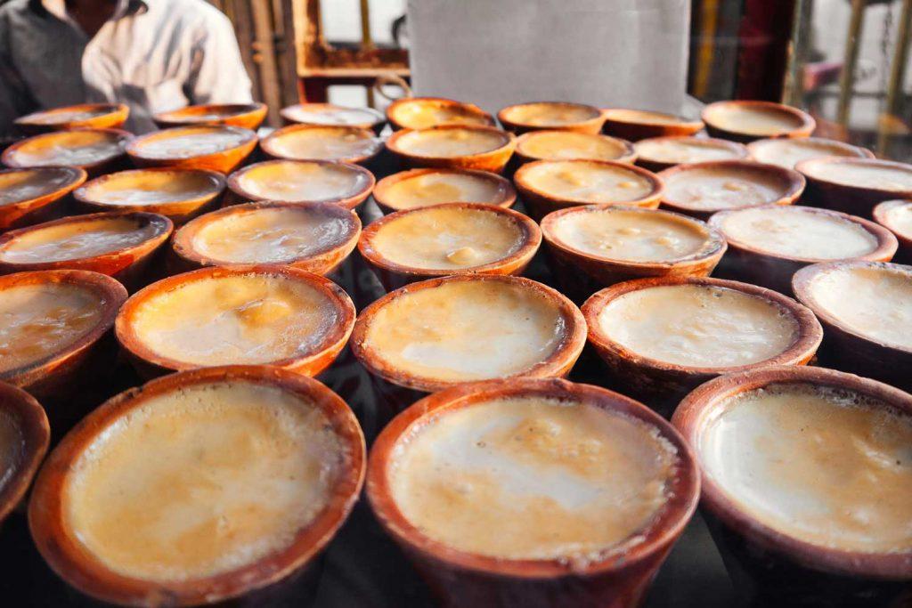 Bangladeshi Food: Mishti Doi (Sweet Yogurt)
